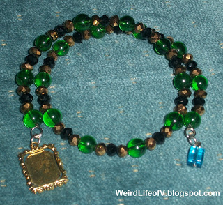 DIY: Loki inspired beaded memory wire bracelet