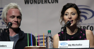 David Anders and Aly Michalka with Aly\'s birthday cake
