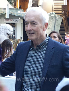 Anthony Daniels came to the lineup to say hello and take pictures with fans.
