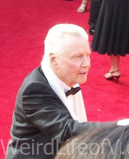 Jon Voight chatting with fans at the 2016 Emmys