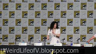 Maril Davis arriving on stage for the Outlander Panel
