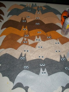 DIY: Felt bats with googly eyes