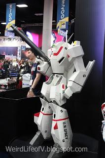 Robotech statuette