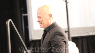 Neal McDonough crashing John Barrowman\'s panel