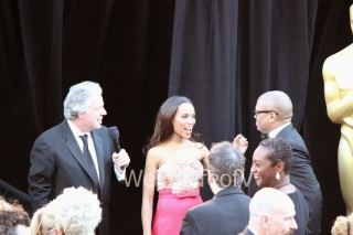 Kerry Washington being interviewed by Chris Connelly at the 2013 Academy Awards