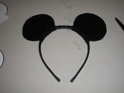 DIY Mickey Mouse ears headband