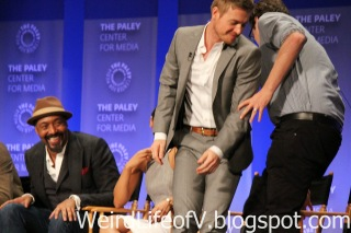 Rick Cosnett and Andrew Kreisberg switch seats due to Candice Patton\'s answer to a question