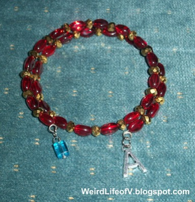 DIY: Marvel\'s Iron Man inspired beaded memory wire bracelet