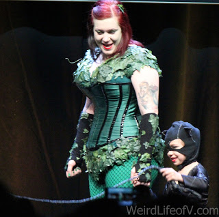 Poison Ivy with little Cat Woman cosplay