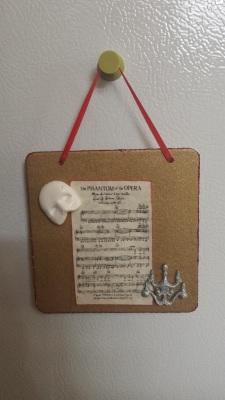 DIY: Mini hanging plaque - Phantom of the Opera Themed