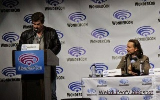 Moderator Ralph Garman and Dawn of the Planet of the Apes director Matt Reeves at WonderCon 2014