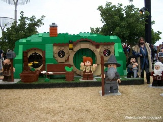 Bilbo\'s House (with characters) from The Hobbit all made from Legos - Outside San Diego Comic Con 2013