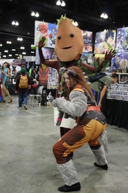 Cosplay: Baby Groot and Rocket Raccoon.