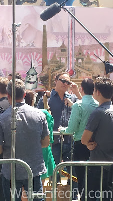 Jim Belushi being interviewed