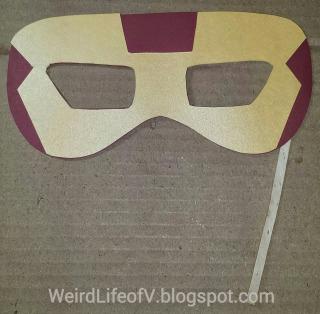DIY: Iron Man paper masquerade style mask