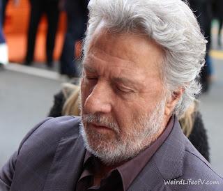 Dustin Hoffman signing autographs